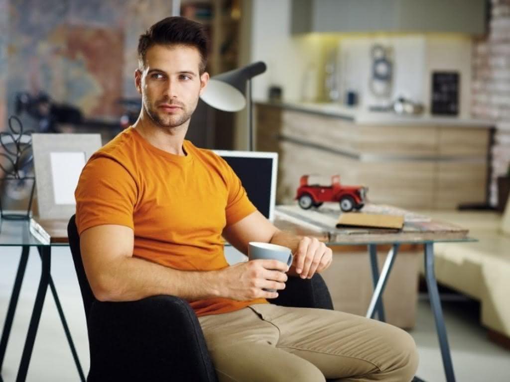 Мужчины далеко за 40, от которых подкашиваются коленки | 768x1024